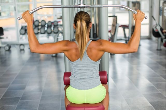 power-rack-with-lat-pulldown-4